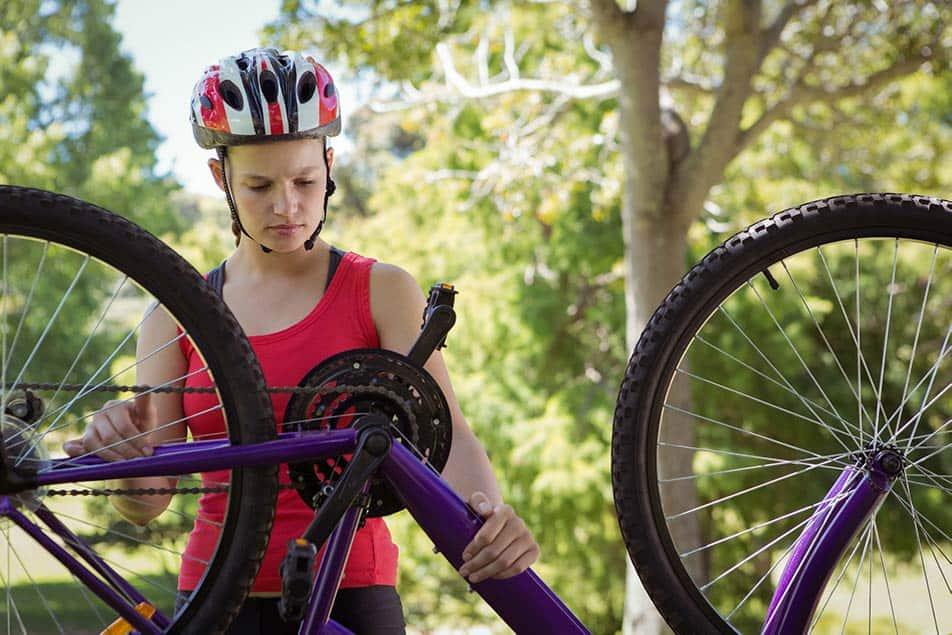 Capovolgere la bici per manutenzione