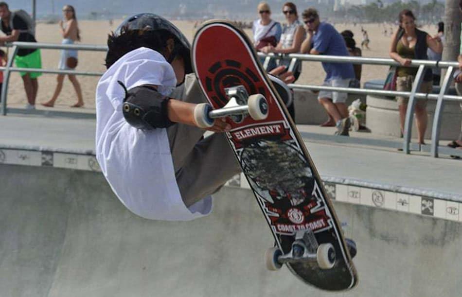 Evoluzioni sullo skateboard