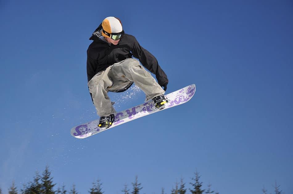 acrobazie snowboard