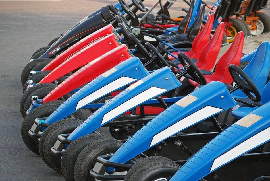 go kart pedali parcheggiati