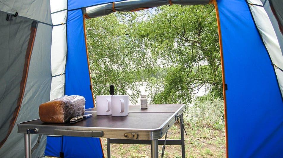tavolo per campeggiare