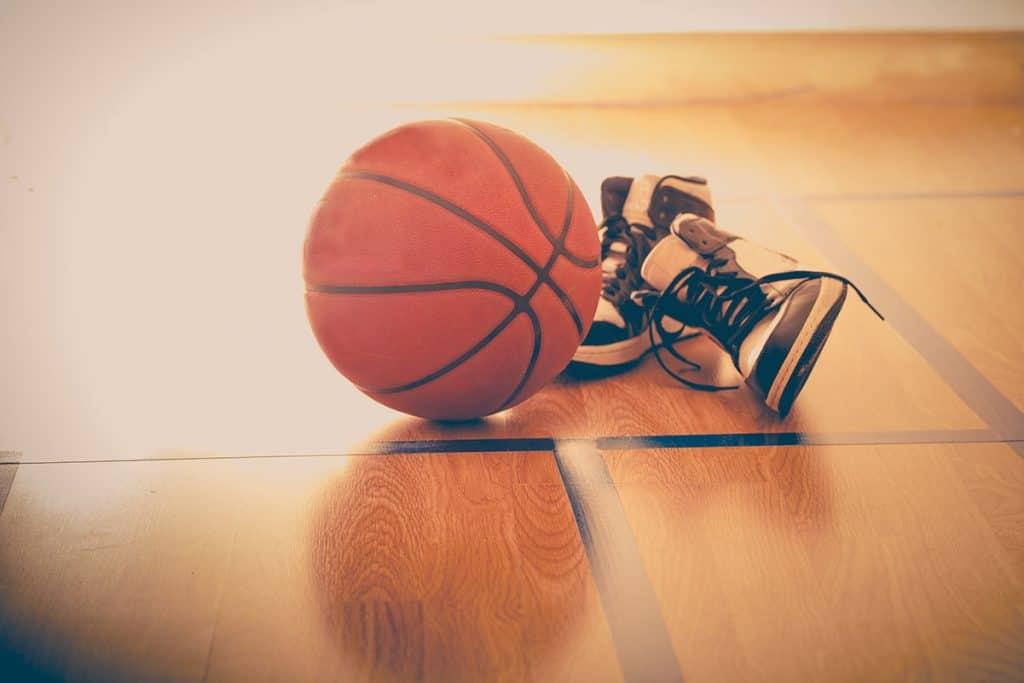 Come Scegliere la Taglia Corretta per le Scarpe da Basket