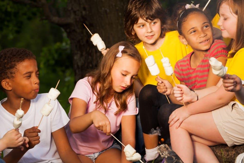 marshmellow in campeggio con bambini
