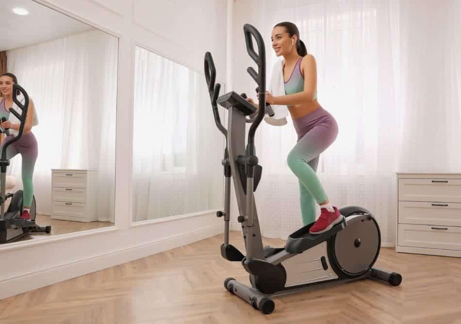 allenarsi in casa con l'ellittica